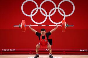 Eko Yuli Sumbang Medali Perak dari Angkat Besi dengan Beban 165 Kg